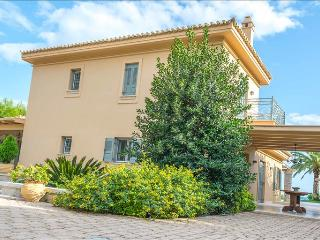 Porto Heli  -Gv - Seafront Paradise Villa  with pool on the seafront, Kosta