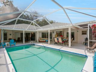 Villa Island Pearl Sanibel Island sleeps 6! Two Master suites!