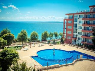 Visit Sunny Beach Marina 1-bedroom sea view aparts