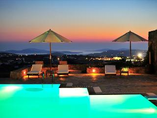 Mykonos Sunset Private Estate with stunning sunsets and seaviews and  7 B/R, Míkonos