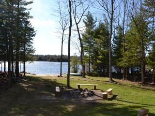 Lakefront House by Casino and Kalahari water park, Pocono Summit