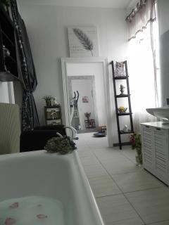 Salle de bain gîte côté jardin