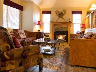 Alpine Home In Canyons Village – Minutes from Skiing and Main St – Sleeps 9, Park City