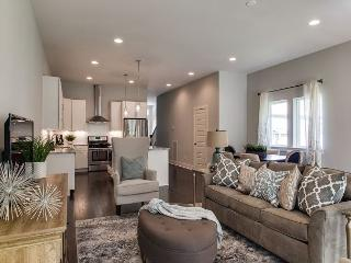 Brand New & Chic Nashville Home – Minutes from Downtown – Sleeps 8