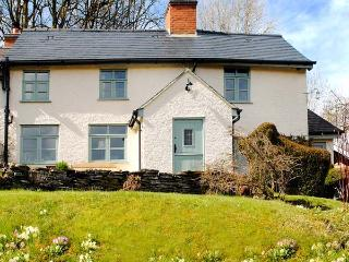 TOP COTTAGE, character cottage, woodburners, WiFi, gardens, Llangunllo Ref