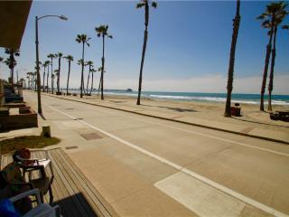 910 N Strand Upper, Oceanside