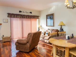 Bear Elegance, In the heart of Pigeon Forge!!