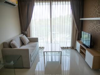 Cozy 1-bedroom apartment with pool view, Pattaya