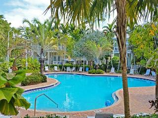 ~ ISLAND DAYS ~ Spacious 'Coral Hammock' Home w/ Beautiful Pool & Pvt Parking