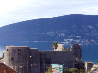 Apartment with view on the see..Bellevue', Herceg-Novi