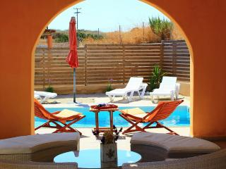 Gennadi private pool villa Lilium with ocean view