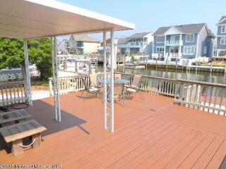 Waterfront - Newly Renovated Home, Point Pleasant Beach