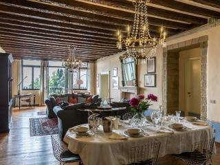 Palazzo Cesana - Luxury and bright apartment in the Center of Asolo