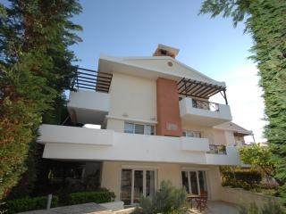 BEAUTIFUL VILLA TO RENT, 2km FROM THE CENTER OF CHIOS
