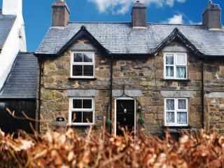 BEAUTIFUL CASTIEL COTTAGE NEAR BETWS-Y-COED., Betws-y-Coed