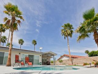 3BR / 3BA Modern Luxury House, Palm Desert