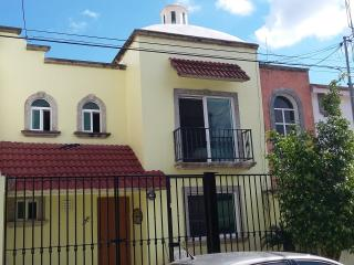 Cozy 3 bedroom house in the center of Cancun