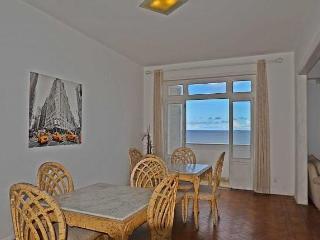 Beautiful Apartment Four Bedroom Ocean Front View #405 Q405, Rio de Janeiro