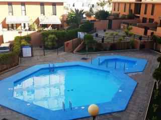 Duplex Playa y Terraza, 2 hab. y Piscina.