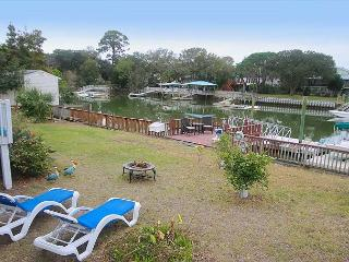 Tybee Island Waterfront Retreat with FREE parking & WiFi, Isla de Tybee