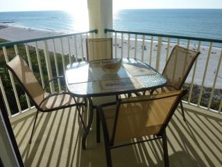 BEACHFRONT CONDO W PARANORAMIC VIEW, wifi, HBO..., Marco Island