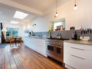 4 bed house with garden, Mercers Road, Tufnell Park, London