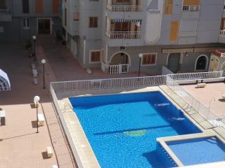 Apartamento con piscina 200 m playa Acequion, Torrevieja