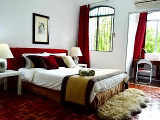 Sunway/Subang Jaya Cozy 2-storey house 5 BR + 3 BA