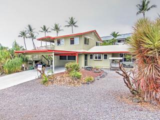 Discounted Rates September-December! 'Magic Sands Home' Recently Renovated 3BR Kona Duplex w/Air Conditioning, Wifi & Shaded Lanai - Just Steps from Magic Sands/La'aloa Beach! Close to Restaurants, Shops & Endless Outdoor Activities!, Kailua-Kona