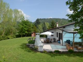 Family friendly holiday home with large garden, Monfumo