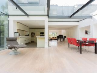 Veeve - Contemporary Cool in Highgate