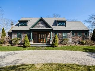 14 Indian Trail, Osterville