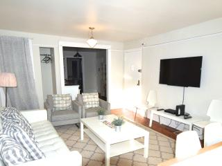 Manhattan REAL NYC-east vill /3 bedroom sleeps 6+2, Nueva York