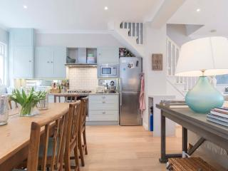 3 bed house with chef's kitchen, Adelaide Grove, West London