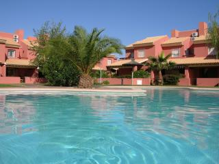 1st floor apartment with balcony, free wifi, communal pool