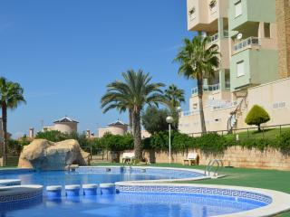1st floor sea view apartment, large balcony, free wifi, communal pool