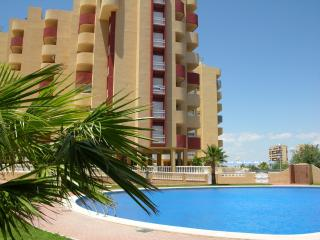 6th floor apartment ideal for families, free wifi, balcony, sea views