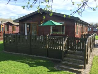 Lakeside 32 - Luxury Holiday Lodge, Carnforth