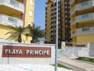 2nd floor family apartment, sea views, communal pool, next to beach