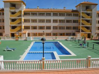 Family south apart 1st floor, balcony, free wifi, communal pool