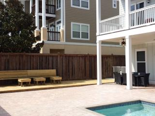 Covered & uncovered outdoor seating for dining, sunning, & playing together!