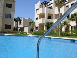 Roof terrace, penthouse apartment, free wifi, sat tv, communal pool