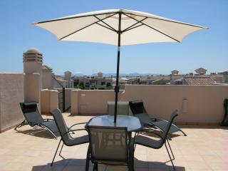 Pool view penthouse apartment, satellite tv, parking, communal pool