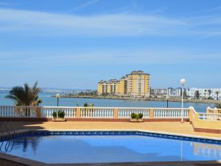 Apartment with fantastic sea views, free wifi, balcony, communal pool