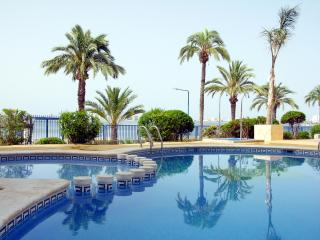 3rd floor sea view apartment, free wifi, communal pool, sun deck