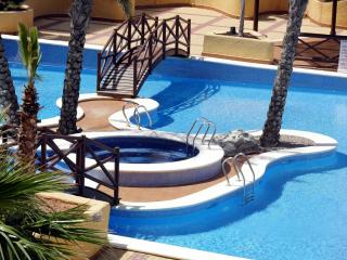 Sea and pool view apartment, indoor/outdoor pools, free wifi, parking