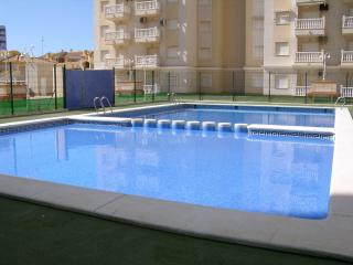 Sea view 9th floor apartment, communal pool, kids pool, free parking