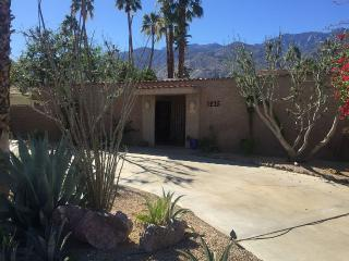 Relax in casual comfort!, Palm Springs