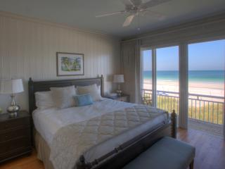 2-BR Luxury Beachfront Condo on Anna Maria Island, Holmes Beach