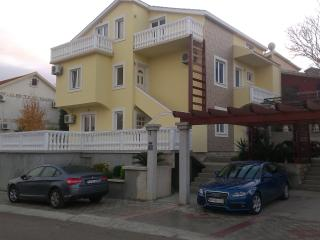Apartments Sandra, Radovici